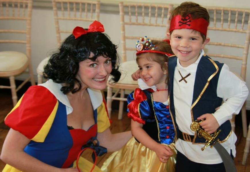 Snow White, Mini Snow White and mini Jake