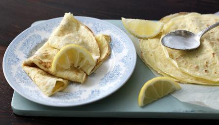 Delia Smith's Basic Pancakes with Sugar and Lemon