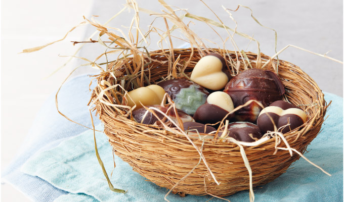 Natasha-Corretts-Raw-Chocolate-Eggs1