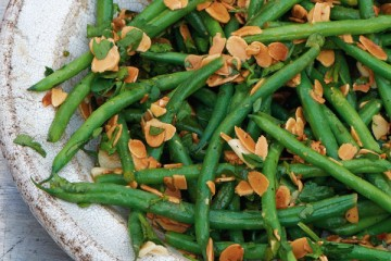 Daylesford's Garlic Beans with Almonds, Parsley and Garlic Butter