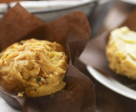 Gluten-Free-Sundried-Tomato-and-Olive-Muffins