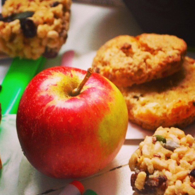 The lovely Georgie from #cookingthemhealthy has written us a great post on after school snacks from #flapjacks #bananamuffins and #coconutballs to #tzatziki and #proteinpunches let's start making snacks #healthy #healthyseptember #minimeals #mybaba @summerlp @littlelondonmagazine