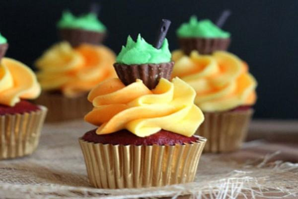Mini Cauldron Cupcakes