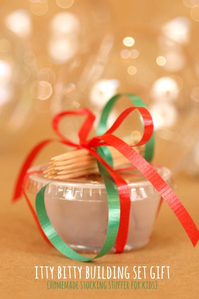 Homemade-Stocking-Stuffer-for-kids-Gift-Kit
