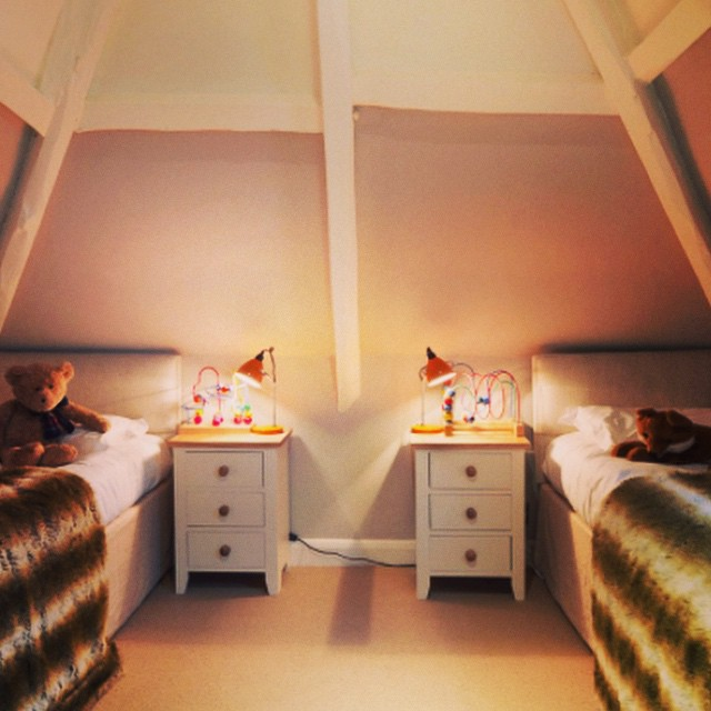 Smith and Family have written us a round up of family friendly hotels. This bedroom at #calcotmanor looks dreamy #cosy #childrensinteriors thank you #smithandfamily #mrandmrssmith