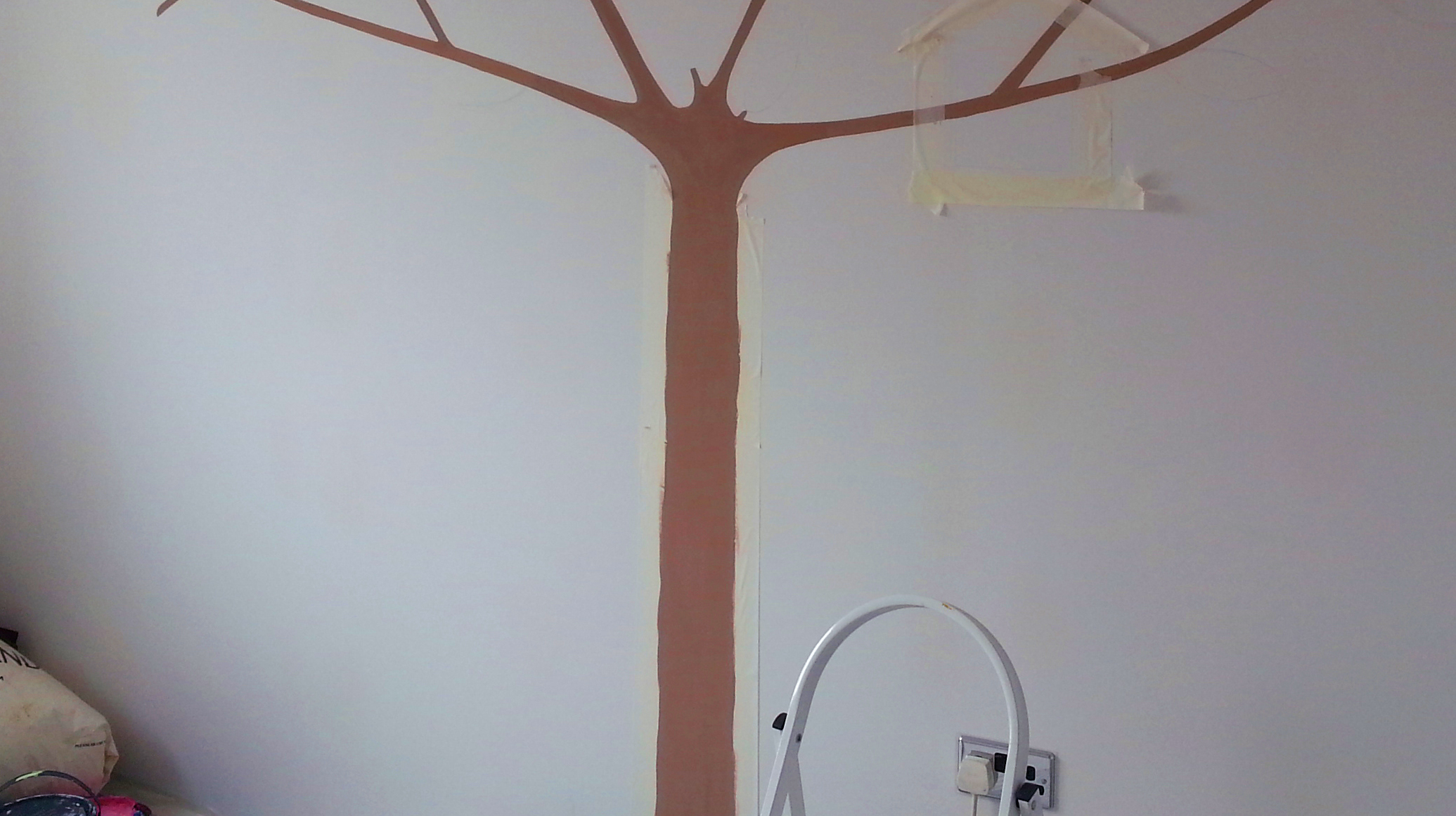 how to avoid patchy paint on walls