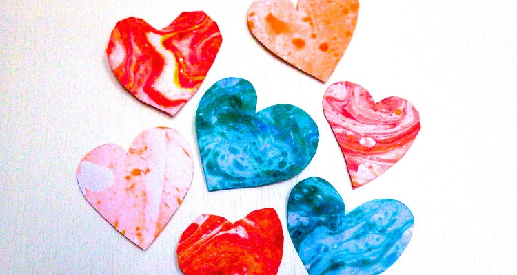 Valentines-Day-Marbled-Hearts-750x400