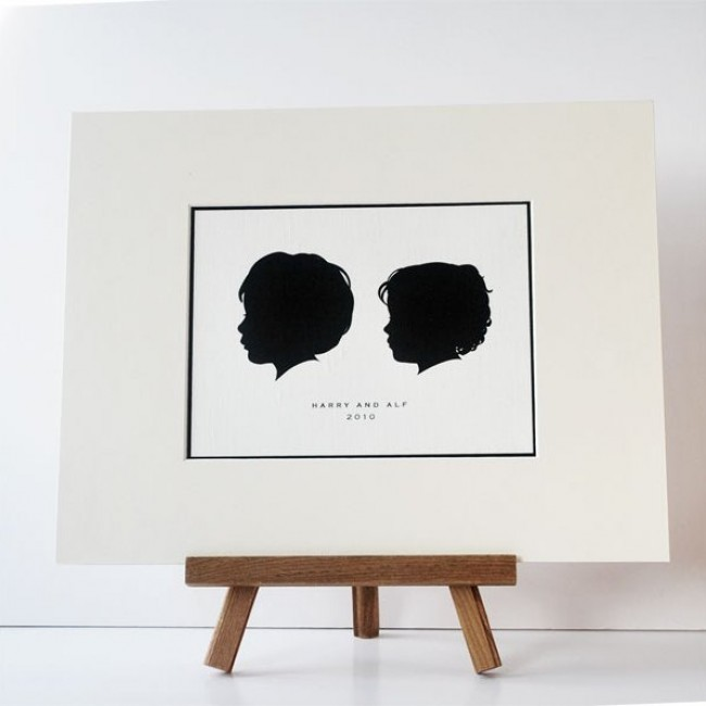 40260-1_two_children_mounted_silhouette
