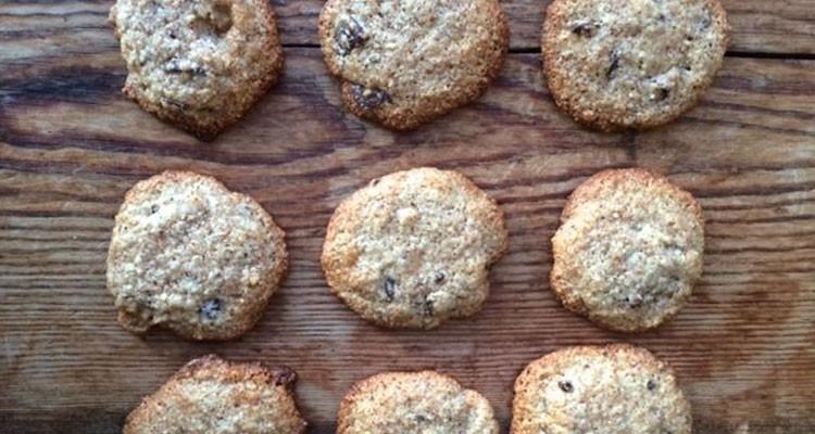 The Food Stork's Gluten & Dairy Free Almond, Hazelnut & Chocolate Cookies