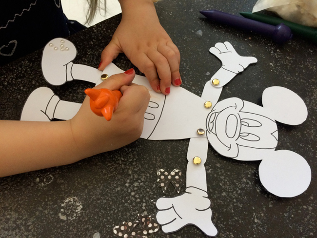 Make your own mickey mouse puppets with printable download my baba although i may have a lot left over i plan to pop a few in my bag with some pens so that i have an instant mickey busy bag in case of emergencies maxwellsz