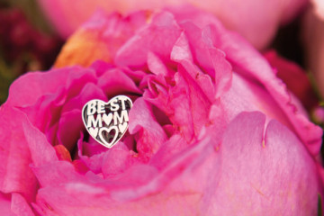 Top Tips for Dads Buying Jewellery This Mothers Day