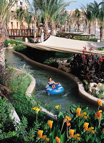 lazy-river-at-shangri-la-barr-al-jissah-oman