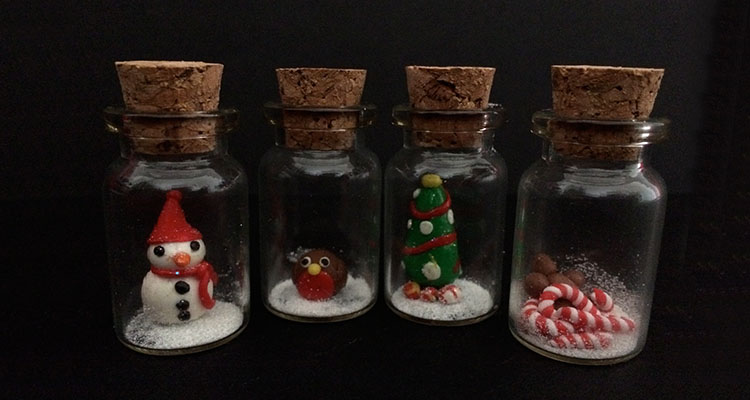 Mini christmas bottles a christmas craft for tweens and for Christmas crafts for teens