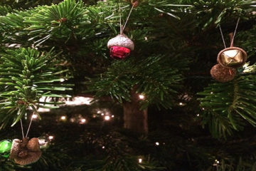 How to make Christmas Acorn Baubles