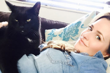 A Guide To The Black Cat Selfie