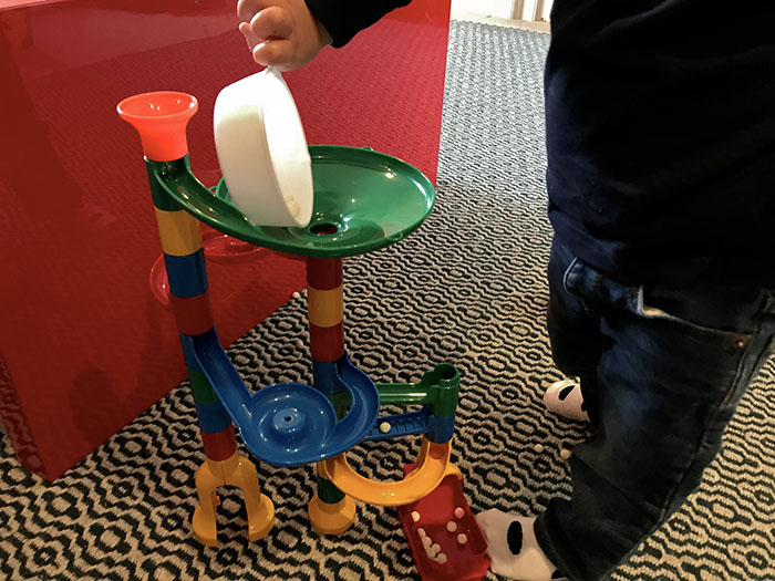 marble run with tapioca pearls
