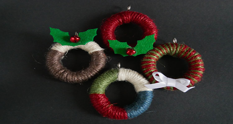 mini wreath decorations