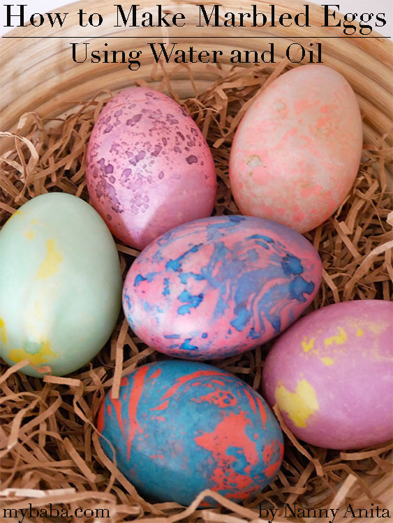 How to make marbled eggs using oil and water. Easter craft for kids.