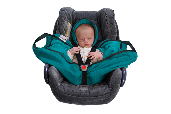 Snugglebundl baby lifting wrap in car seat