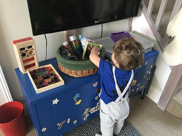 exploring light treasure basket